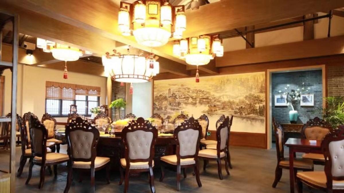 某餐厅红木中式灯工程案例